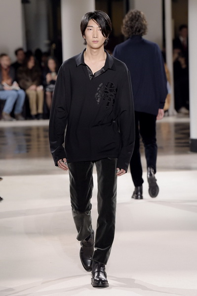 Неделя мужской моды в Париже: Hermes осень-зима 2017 (73053-Nedelya-Mugskoy-Modi-Hermes-AW-2017-09.jpg)