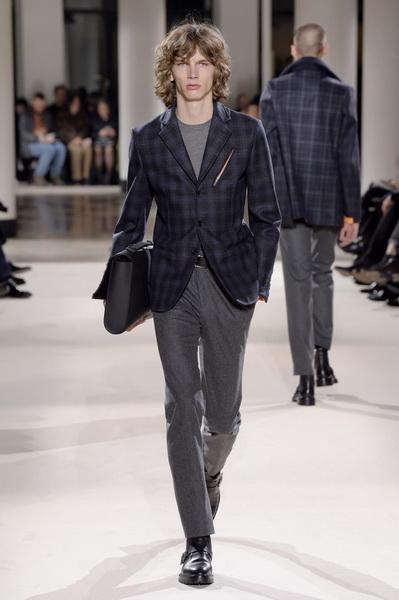 Неделя мужской моды в Париже: Hermes осень-зима 2017 (73053-Nedelya-Mugskoy-Modi-Hermes-AW-2017-14.jpg)