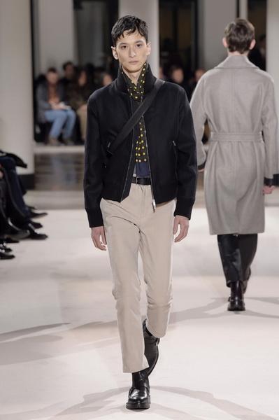 Неделя мужской моды в Париже: Hermes осень-зима 2017 (73053-Nedelya-Mugskoy-Modi-Hermes-AW-2017-16.jpg)