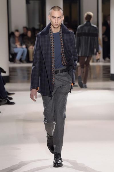 Неделя мужской моды в Париже: Hermes осень-зима 2017 (73053-Nedelya-Mugskoy-Modi-Hermes-AW-2017-17.jpg)