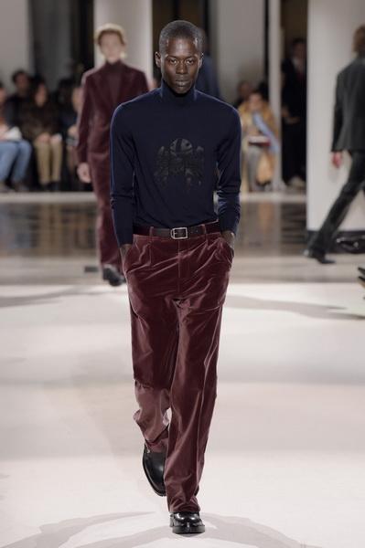 Неделя мужской моды в Париже: Hermes осень-зима 2017 (73053-Nedelya-Mugskoy-Modi-Hermes-AW-2017-19.jpg)