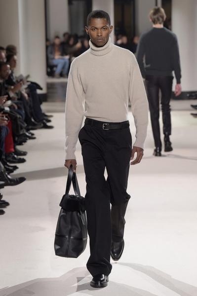 Неделя мужской моды в Париже: Hermes осень-зима 2017 (73053-Nedelya-Mugskoy-Modi-Hermes-AW-2017-29.jpg)