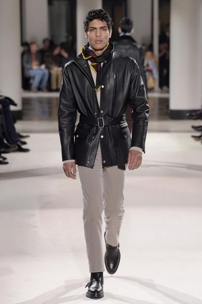 Неделя мужской моды в Париже: Hermes осень-зима 2017 (73053-Nedelya-Mugskoy-Modi-Hermes-AW-2017-30.jpg)