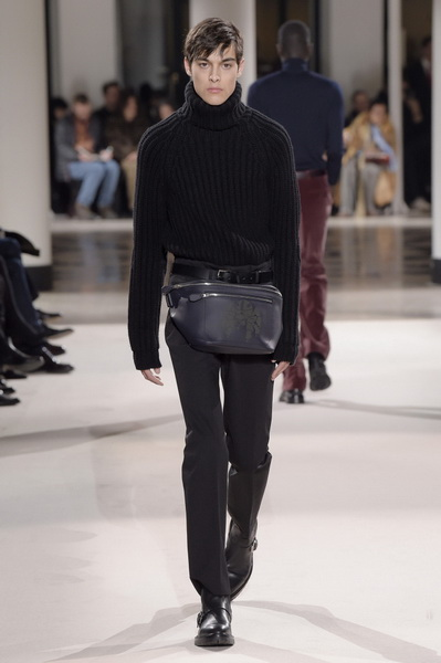 Неделя мужской моды в Париже: Hermes осень-зима 2017 (73053-Nedelya-Mugskoy-Modi-Hermes-AW-2017-31.jpg)