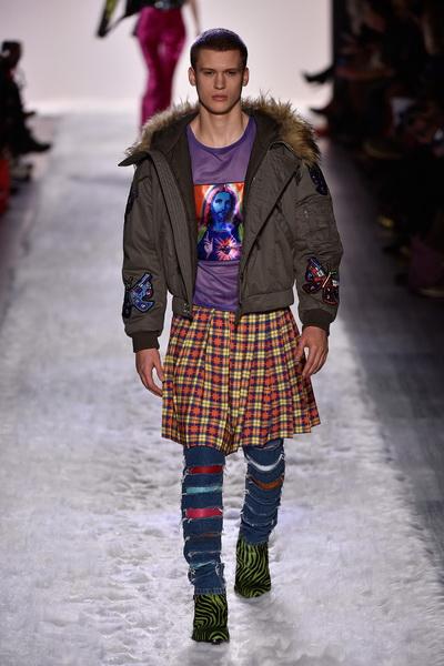 Неделя моды в Нью-Йорке: Jeremy Scott AW 2017 (73324-Jeremy-Scott-AW-2017-12.jpg)