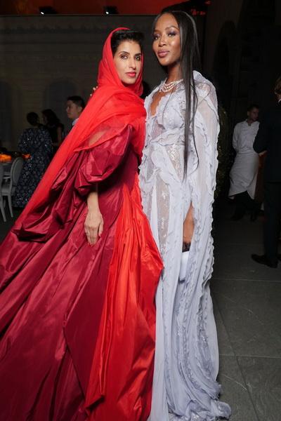 Из Vogue Arabia уходит главный редактор (74269-Iz-Vogue-Arabia-Ukhodit-Glavniy-Redaktor-01.jpg)