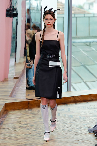 9eaac4fff72 Автор  Editor3 Prada resort 2018 (74687-Prada-Resort-2018-02.jpg)
