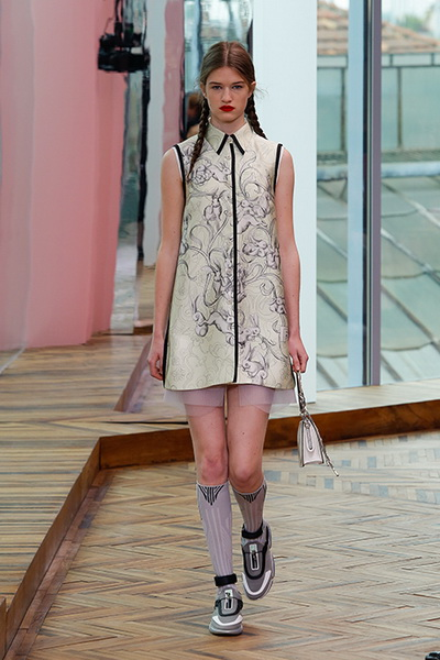 Prada resort 2018  (74687-Prada-Resort-2018-05.jpg)