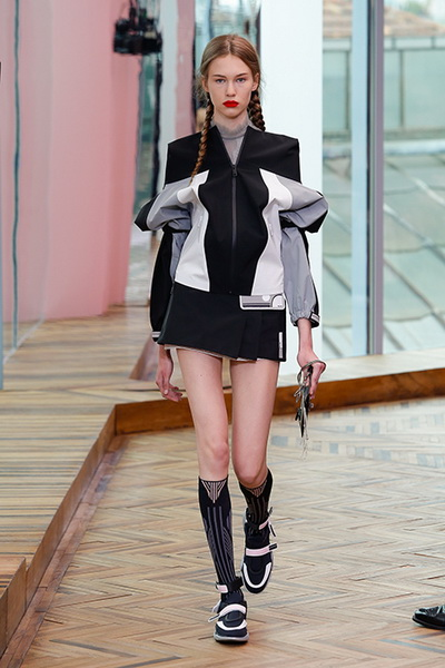 Prada resort 2018  (74687-Prada-Resort-2018-11.jpg)