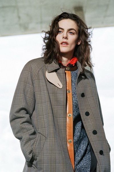 Louis Vuitton Pre-Fall 2017 (74713-Louis-Vuitton-Pre-Fall-2017-b.jpg)