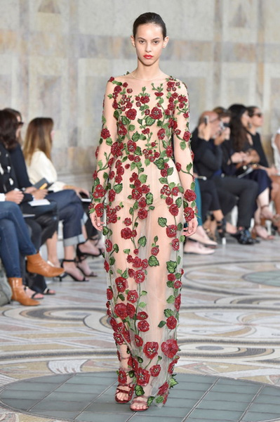 Giambattista Valli Couture осень-зима 2017-2018 (75348-Giambattista-Valli-Couture-AW-2017-2018-02.jpg)