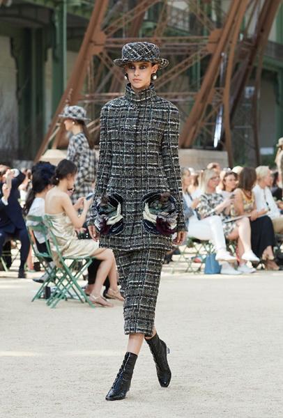 Chanel Haute Couture осень-зима 2017 (75398-Chanel-Haute-Couture-AW-2017-2018-04.jpg)