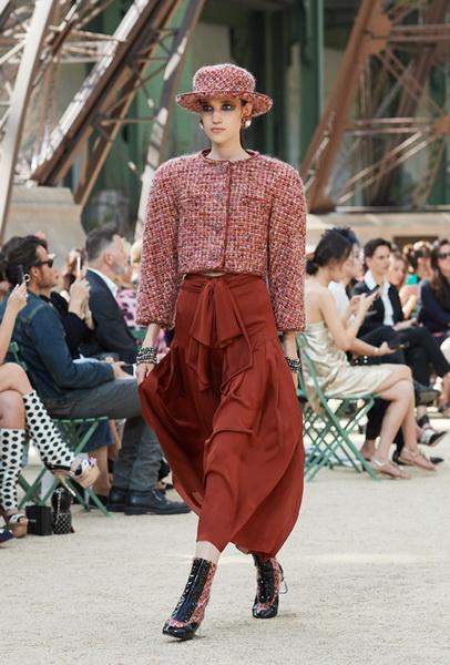 Chanel Haute Couture осень-зима 2017 (75398-Chanel-Haute-Couture-AW-2017-2018-07.jpg)