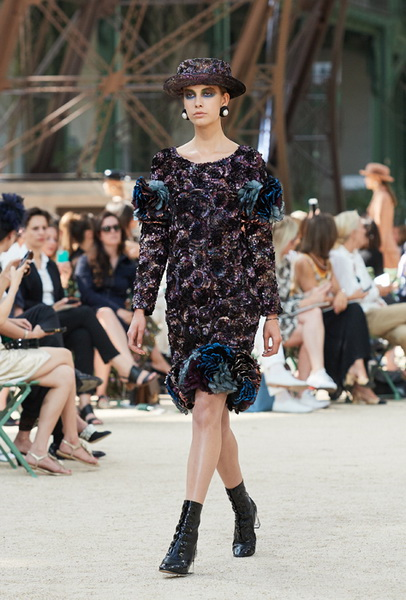 Chanel Haute Couture осень-зима 2017 (75398-Chanel-Haute-Couture-AW-2017-2018-10.jpg)