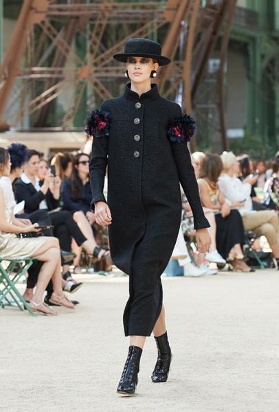 Chanel Haute Couture осень-зима 2017 (75398-Chanel-Haute-Couture-AW-2017-2018-11.jpg)