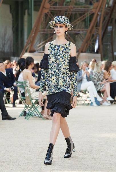 Chanel Haute Couture осень-зима 2017 (75398-Chanel-Haute-Couture-AW-2017-2018-b.jpg)