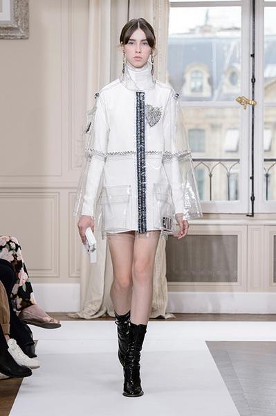 Schiaparelli Haute Couture осень-зима 2017-2018 (75443-Schiaparelli-Haute-Couture-AW-2017-2018-02.jpg)