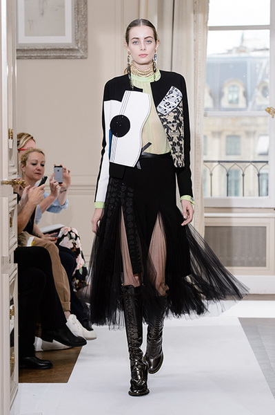 Schiaparelli Haute Couture осень-зима 2017-2018 (75443-Schiaparelli-Haute-Couture-AW-2017-2018-07.jpg)