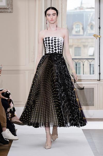 Schiaparelli Haute Couture осень-зима 2017-2018 (75443-Schiaparelli-Haute-Couture-AW-2017-2018-10.jpg)