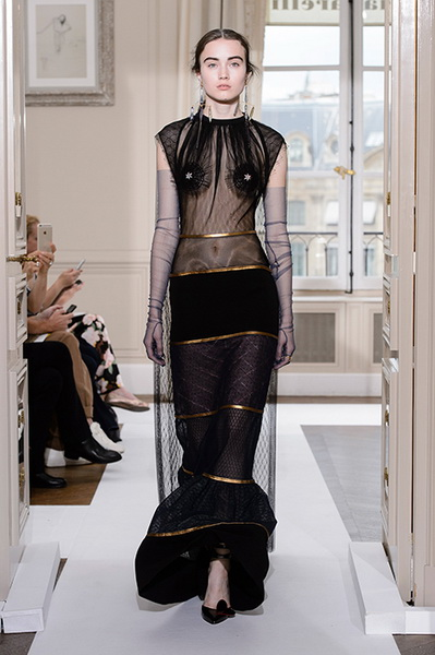 Schiaparelli Haute Couture осень-зима 2017-2018 (75443-Schiaparelli-Haute-Couture-AW-2017-2018-15.jpg)