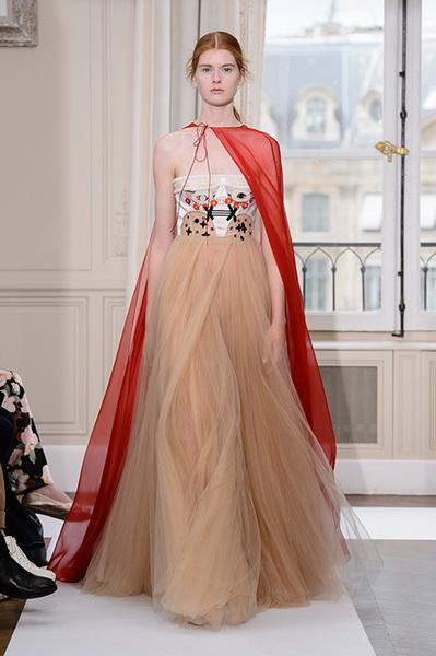 Schiaparelli Haute Couture осень-зима 2017-2018 (75443-Schiaparelli-Haute-Couture-AW-2017-2018-21.jpg)