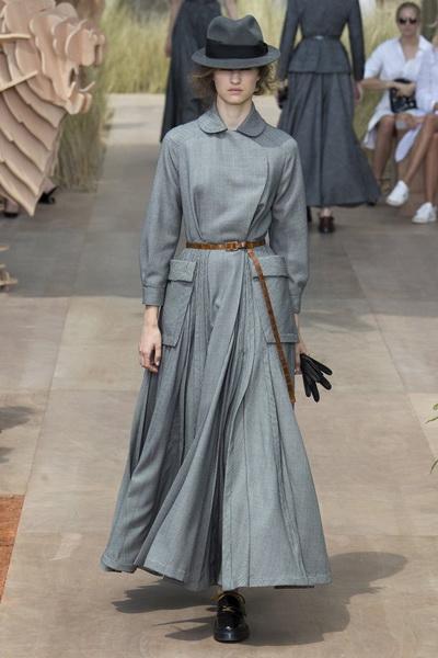 Christian Dior Haute Couture осень-зима 2017-2018 (75681-Christian-Dior-Haute-Couture-AW-2017-2018-05.jpg)