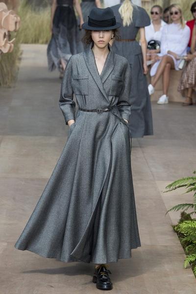 Christian Dior Haute Couture осень-зима 2017-2018 (75681-Christian-Dior-Haute-Couture-AW-2017-2018-09.jpg)