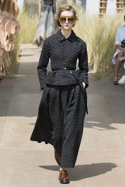 Christian Dior Haute Couture осень-зима 2017-2018 (75681-Christian-Dior-Haute-Couture-AW-2017-2018-10.jpg)