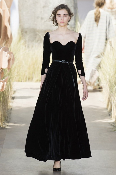 Christian Dior Haute Couture осень-зима 2017-2018 (75681-Christian-Dior-Haute-Couture-AW-2017-2018-18.jpg)