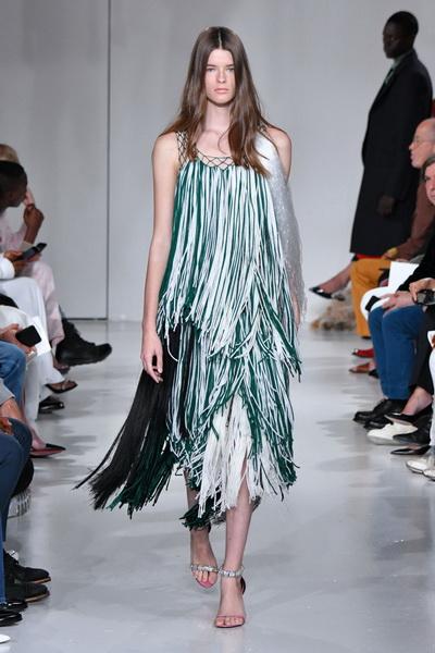 Calvin Klein весна-лето 2018 (76268-Calvin-Klein-SS-2018-09.jpg)