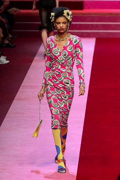 Dolce Gabbana весна-лето 2018 (76509-Dolce-Gabbana-SS-2018-15.jpg)