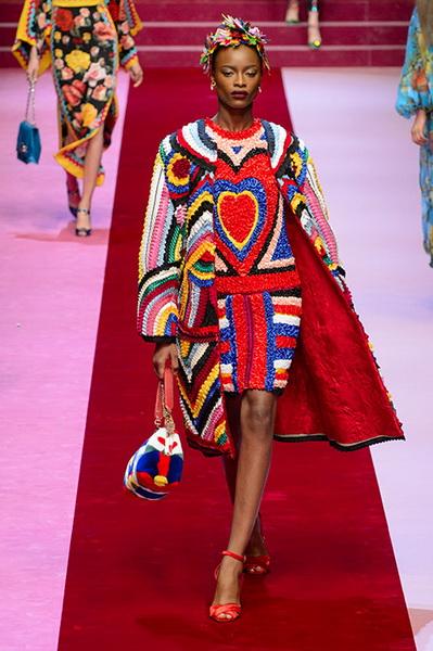 Dolce Gabbana весна-лето 2018 (76509-Dolce-Gabbana-SS-2018-26.jpg)