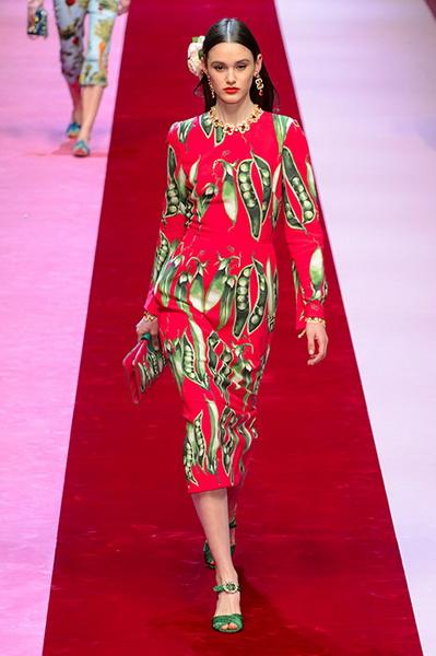 Dolce Gabbana весна-лето 2018 (76509-Dolce-Gabbana-SS-2018-29.jpg)
