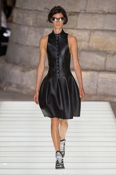 Louis Vuitton весна-лето 2018 (76661-Louis-Vuitton-SS-2018-04.jpg)