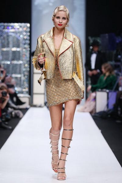 Меховой дом Julia Dilua на Mercedes-Benz Fashion Week (77038-Mexovoy-Dom-Julia-Dilua-Na-MBFW-01.jpg)