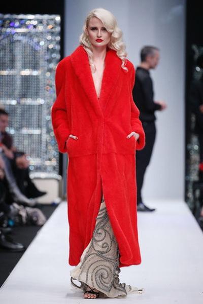 Меховой дом Julia Dilua на Mercedes-Benz Fashion Week (77038-Mexovoy-Dom-Julia-Dilua-Na-MBFW-16.jpg)