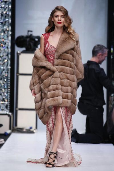 Меховой дом Julia Dilua на Mercedes-Benz Fashion Week (77038-Mexovoy-Dom-Julia-Dilua-Na-MBFW-19.jpg)