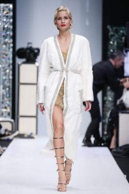 Меховой дом Julia Dilua на Mercedes-Benz Fashion Week (77038-Mexovoy-Dom-Julia-Dilua-Na-MBFW-22.jpg)