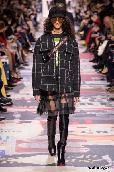 Christian Dior Fall Winter 2018-19 (78507-Christian-Dior-FW-2018-03.jpg)