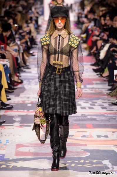 Christian Dior Fall Winter 2018-19 (78507-Christian-Dior-FW-2018-07.jpg)