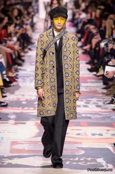 Christian Dior Fall Winter 2018-19 (78507-Christian-Dior-FW-2018-24.jpg)