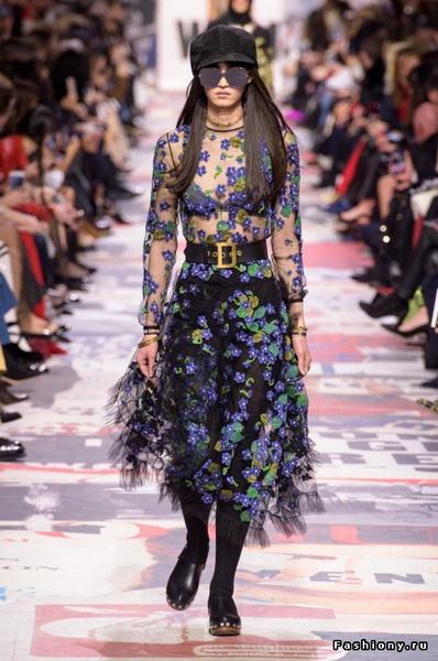 Christian Dior Fall Winter 2018-19 (78507-Christian-Dior-FW-2018-25.jpg)