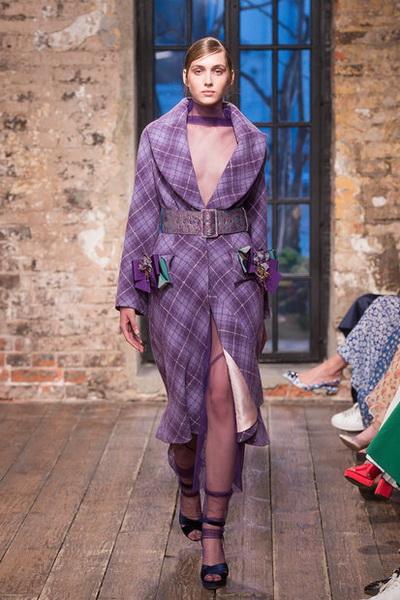 Evgeniya Kryukova Couture FW 2018/19  (79711-Evgeniya-Kryukova-FW-2018-19-02.jpg)