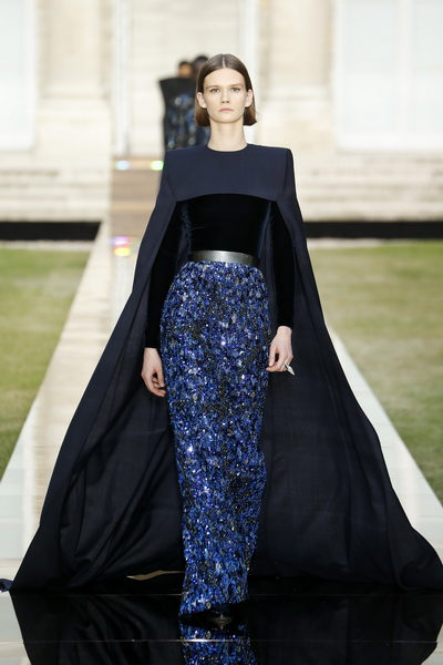 Givenchy Couture осень-зима 2018/19 (80019-Givenchy-FW-2018-19-02.jpg)