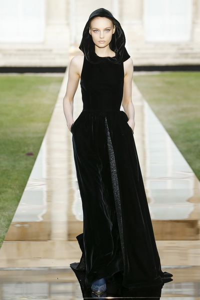 Givenchy Couture осень-зима 2018/19 (80019-Givenchy-FW-2018-19-b.jpg)