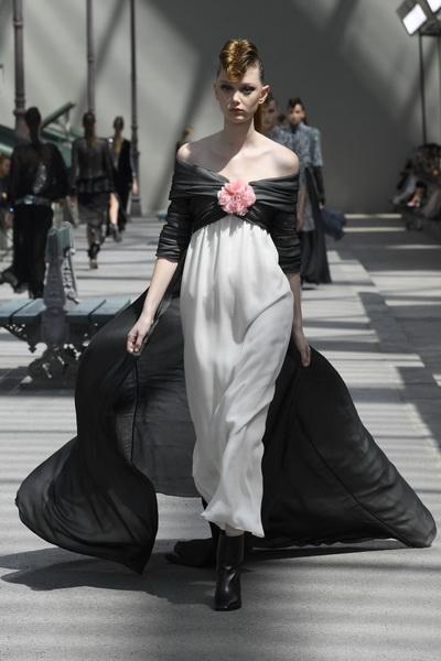 Chanel Couture осень-зима 2018 (80099-Chanel-FW-2018-02.jpg)