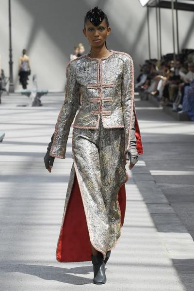 Chanel Couture осень-зима 2018 (80099-Chanel-FW-2018-04.jpg)