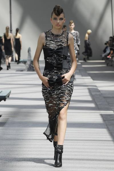 Chanel Couture осень-зима 2018 (80099-Chanel-FW-2018-05.jpg)
