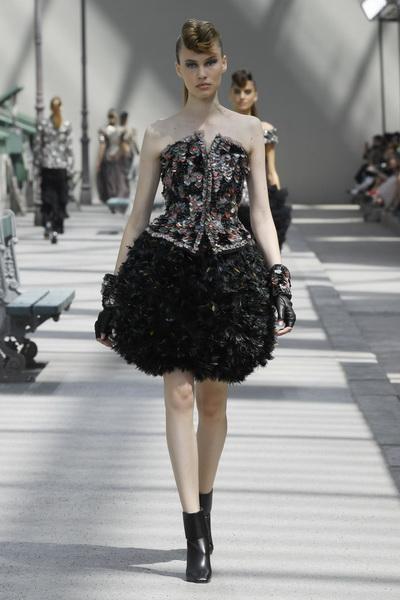 Chanel Couture осень-зима 2018 (80099-Chanel-FW-2018-06.jpg)