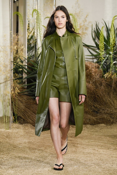 Hermès Resort 2019 (80291-Hermès-Resort-2019-05.jpg)